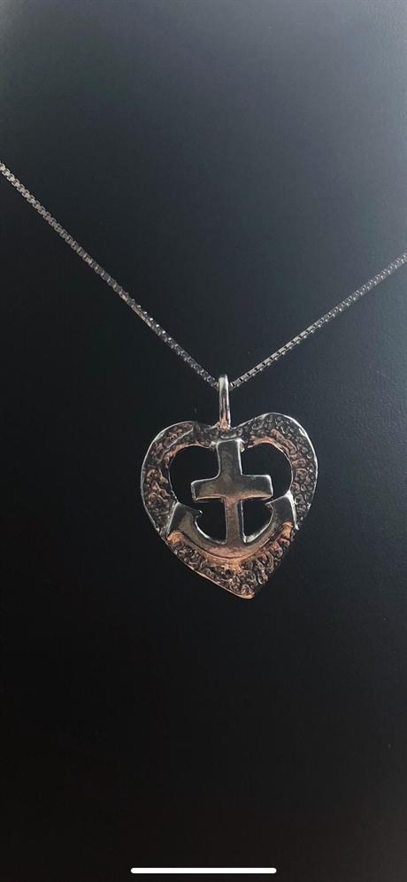 tro hopp och kärlek halsband